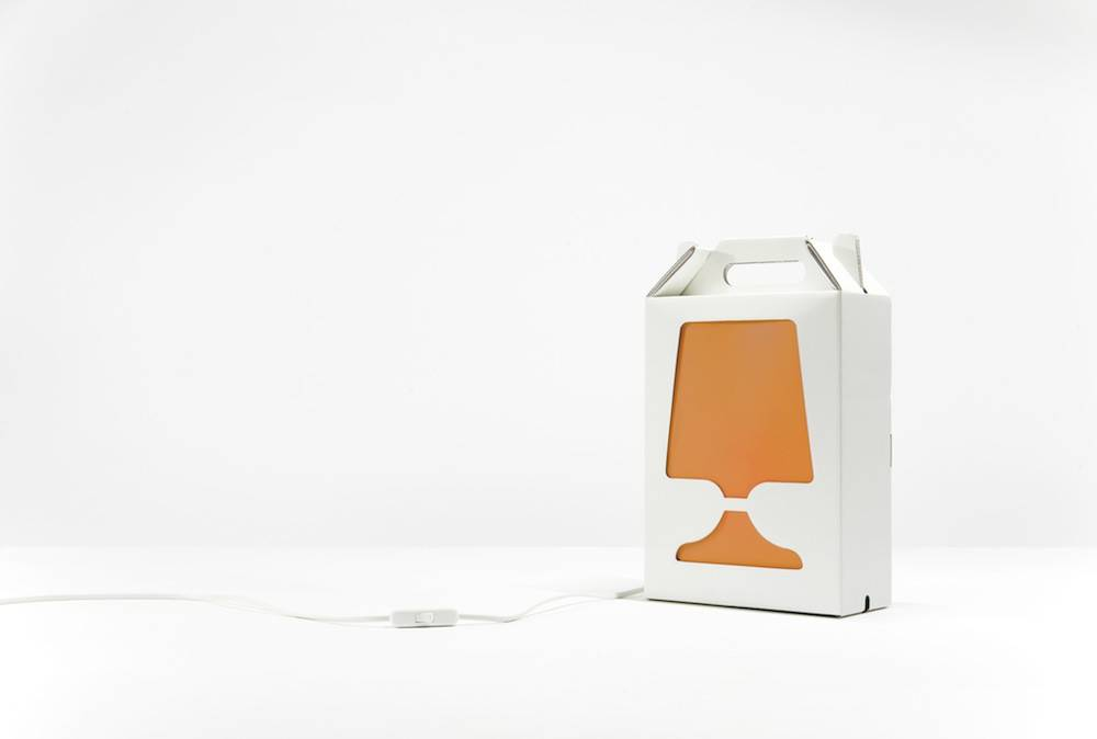 Image of   Flamp - bordlampe (Hvid/Orange)