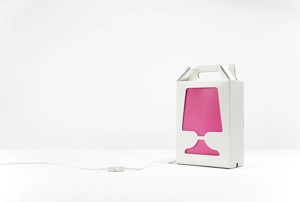 Image of   Flamp - bordlampe (Hvid/Pink)