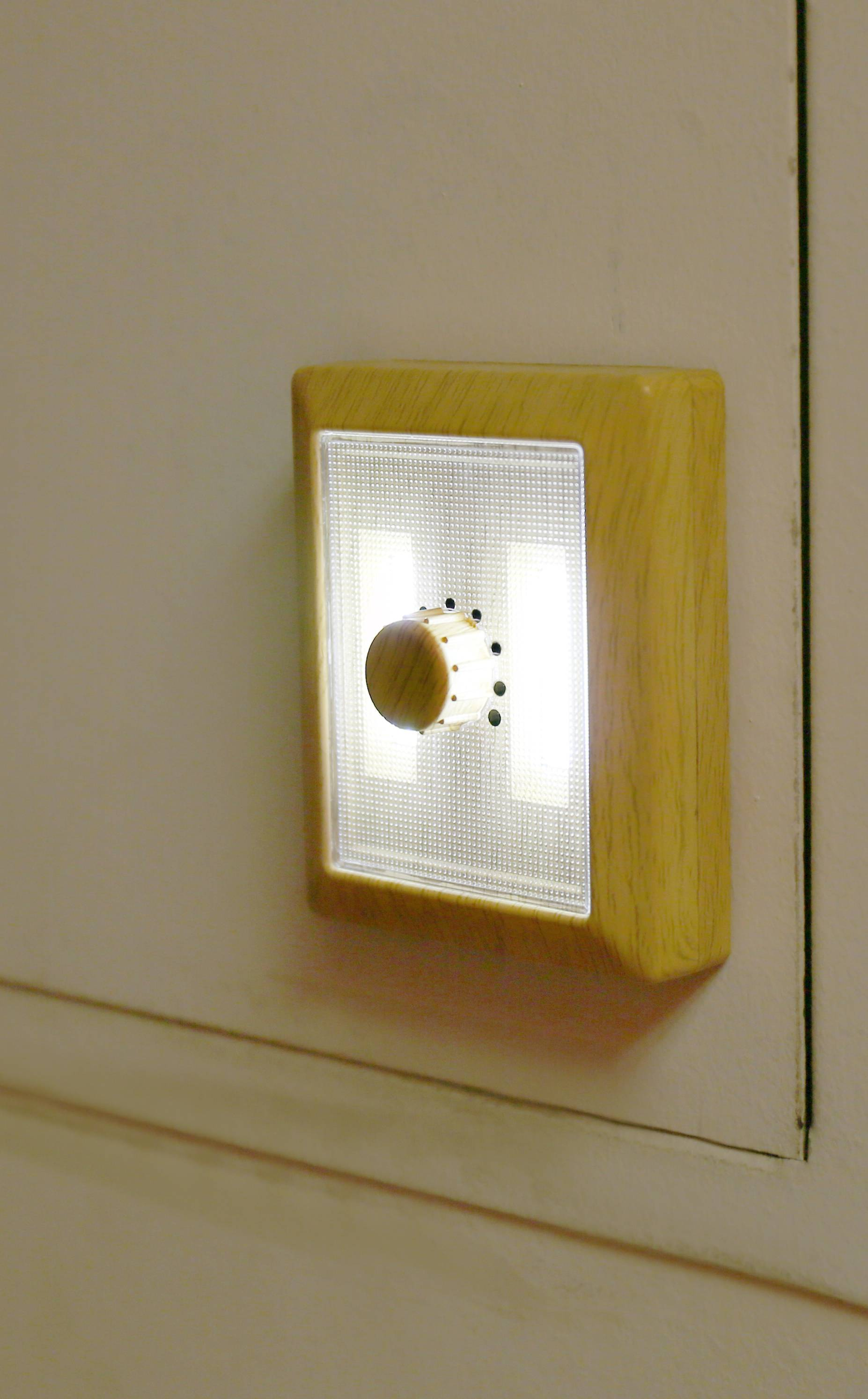 Stikkontakt lampe - Wood Dimmer Light