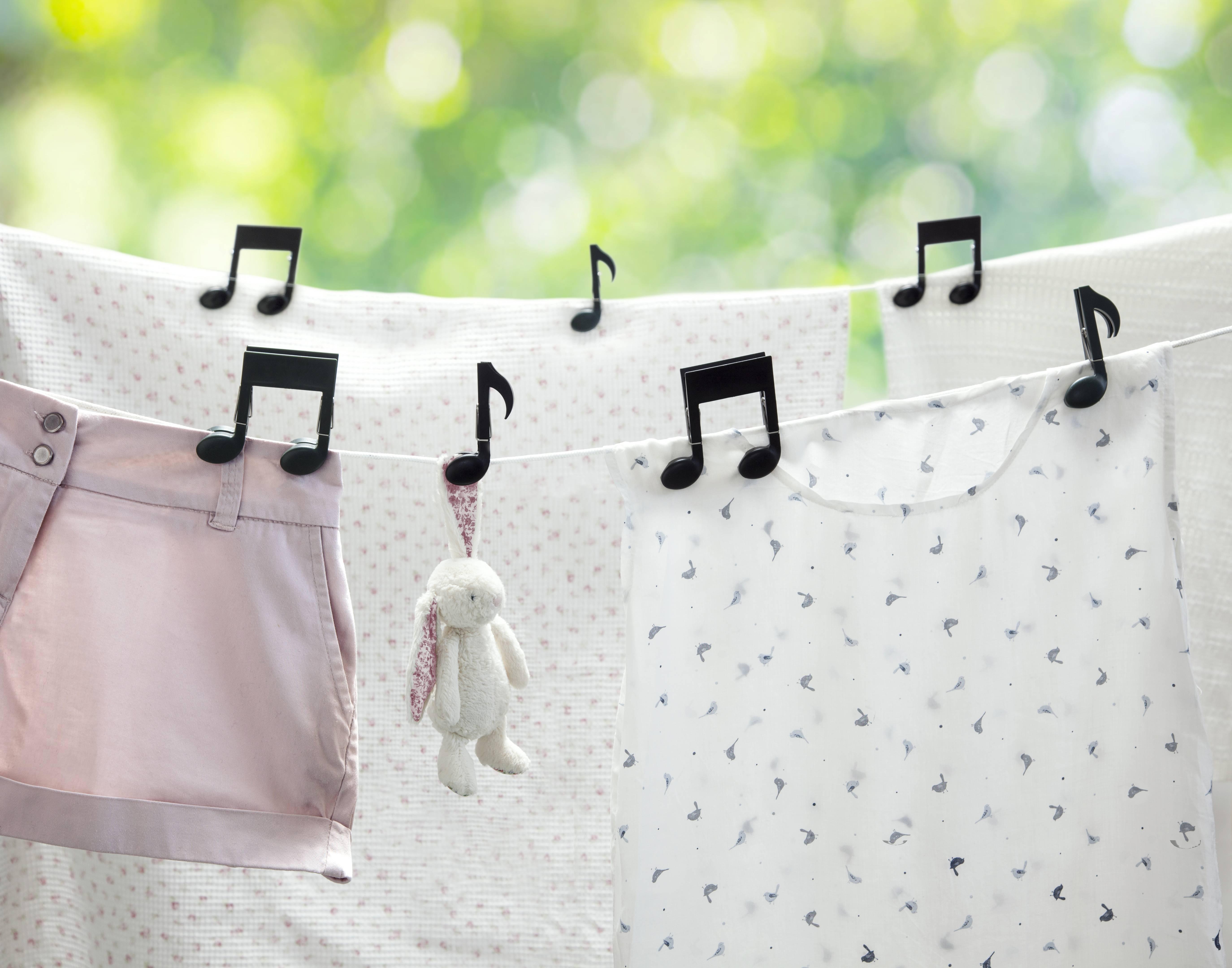 Image of   Tøjklemmer - Musiclips